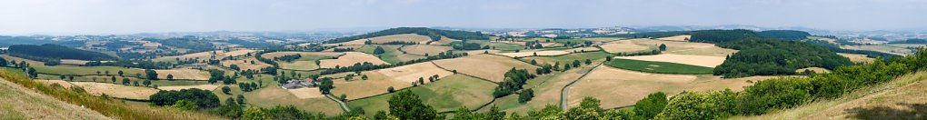 Panoramic view over the Morvan from Mont Dardon (Uxeau)